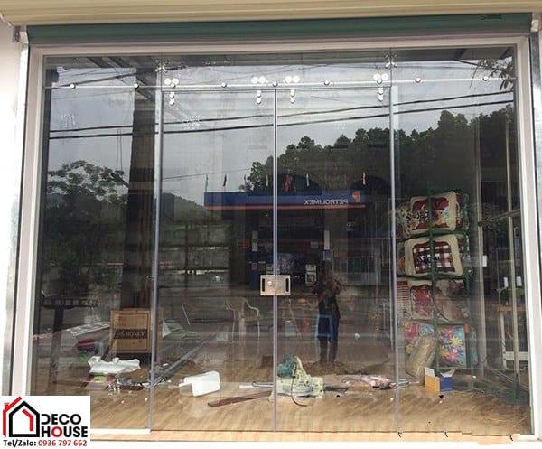 Cửa kính cường lực lùa 2 cánh cho cửa ra vào cửa hàng